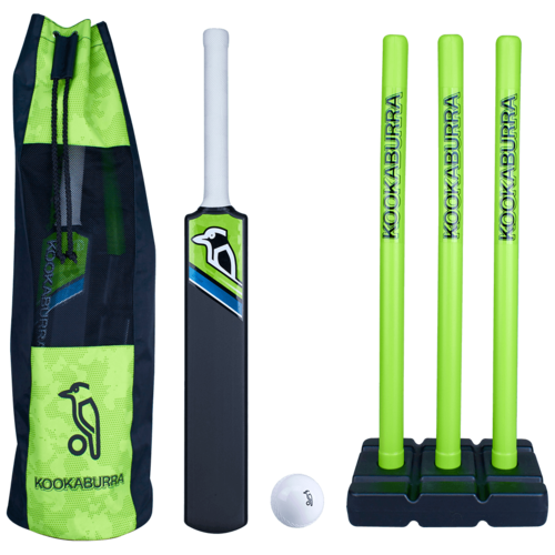 Kookaburra Blast plastic cricket set in carry bag